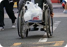 日常の外出、お買い物や検診の定期的な移動手段として